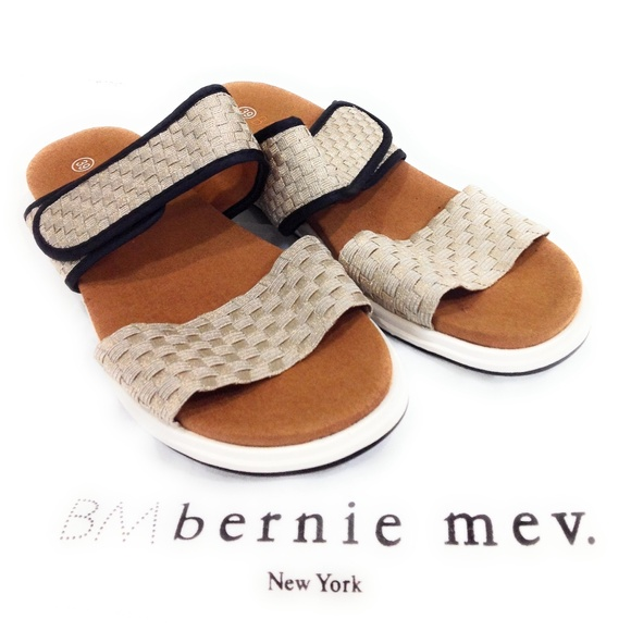 BERNE . MEV  New York Women's Pink White Leather Thong Sandals Size 37 ( USA 6)